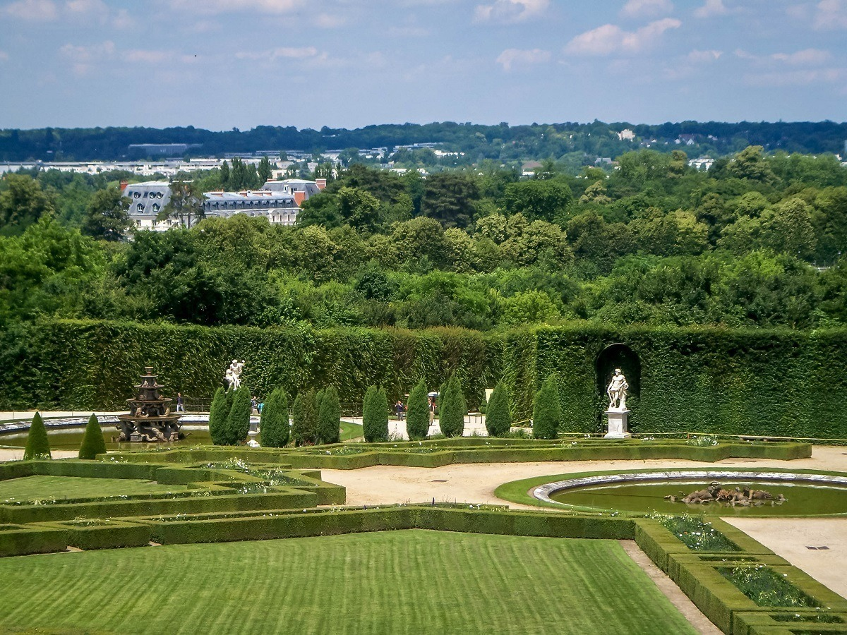 The gardens at the Palace outside of Paris