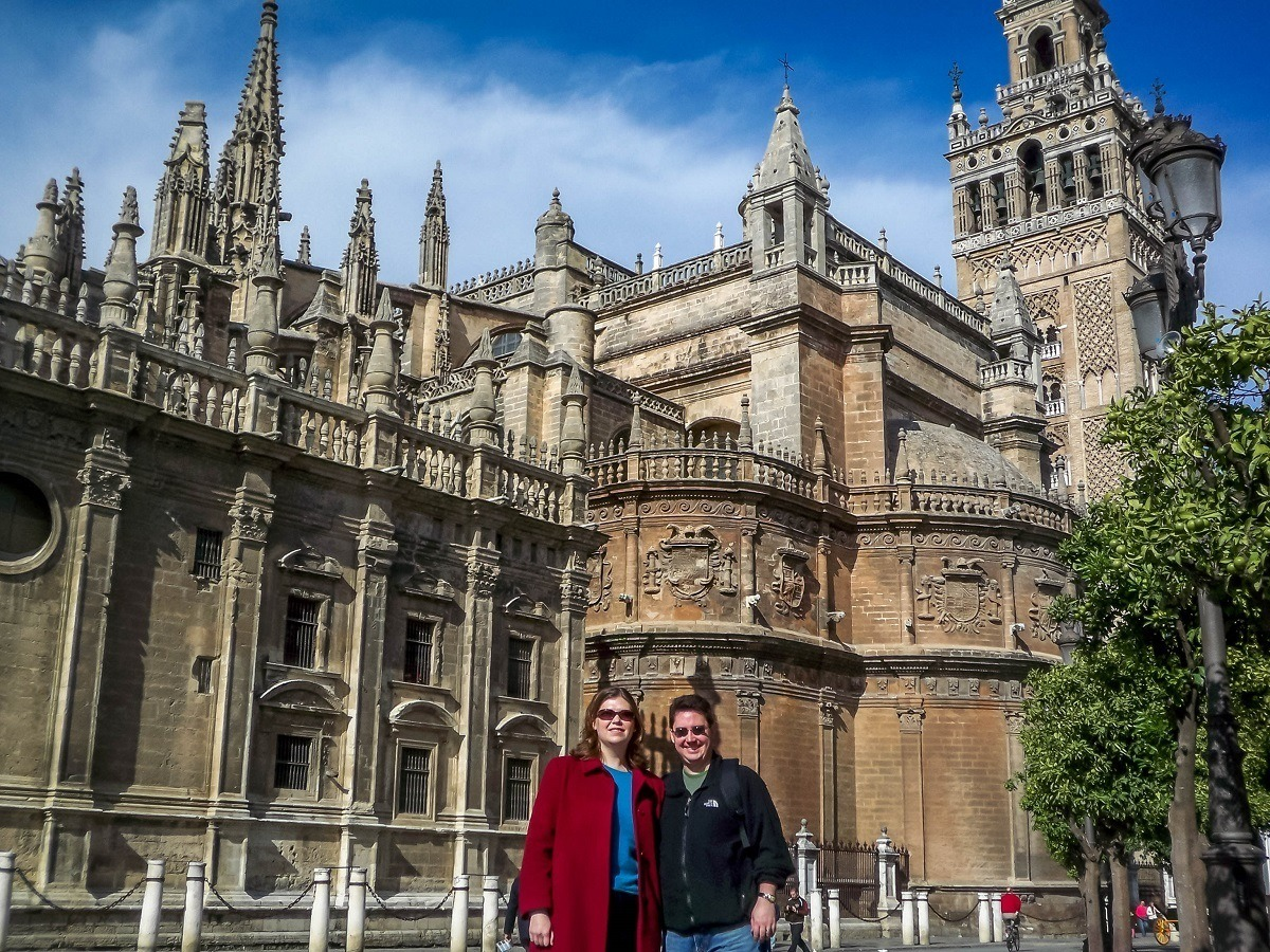 The Travel Addicts in front of the Cathedral
