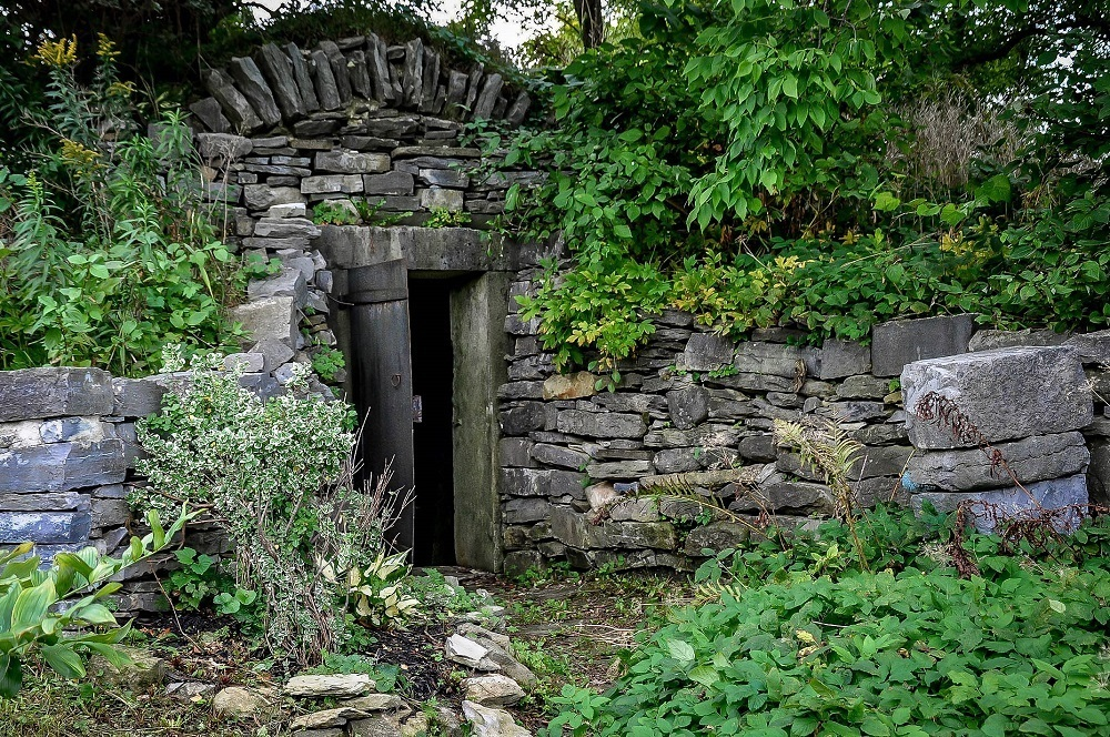 Stone entrance to the Beekman family crypt