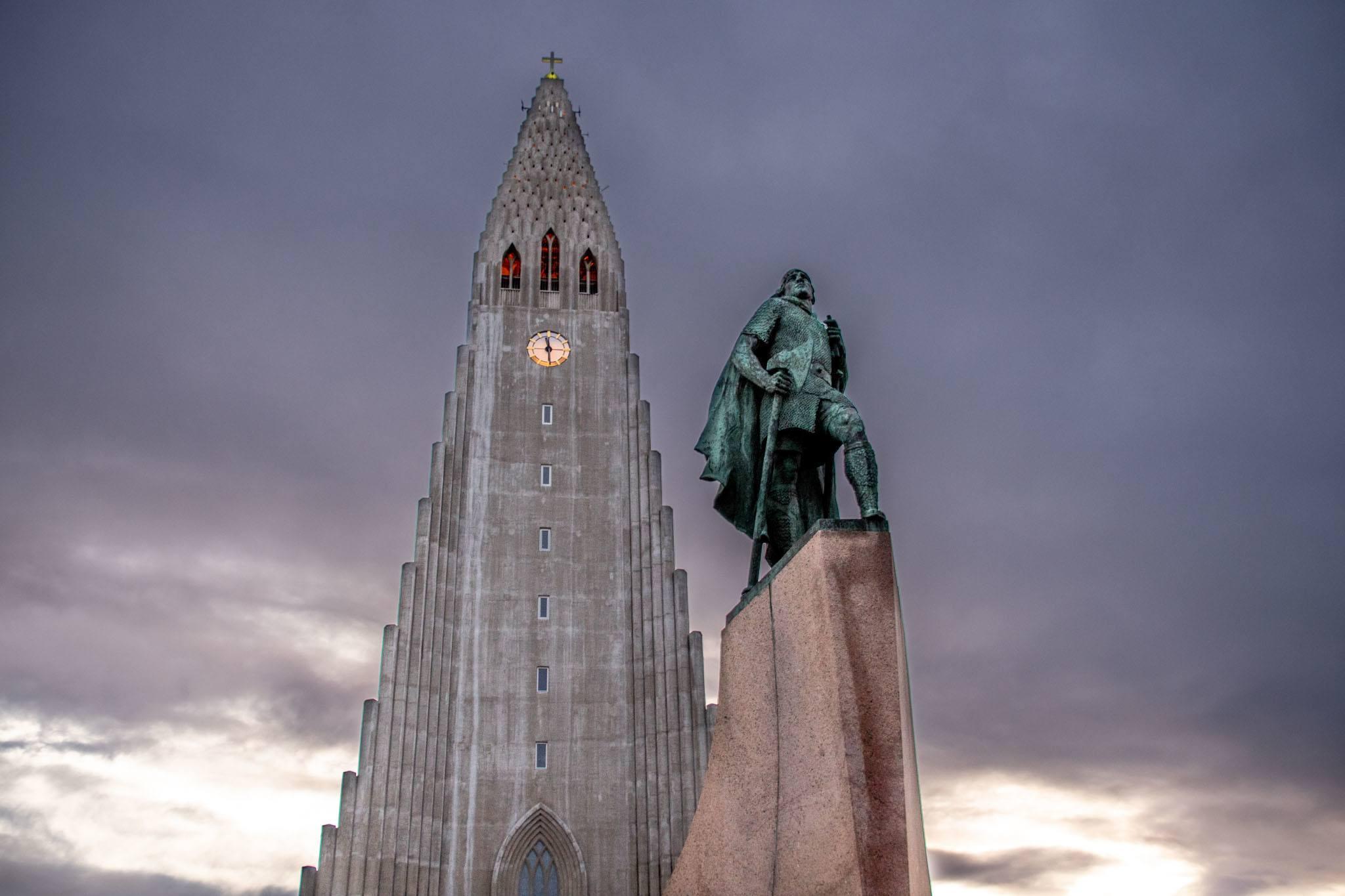 Leif Ericsson statue in front of the Hallgrimskirkja church in Reykjavik