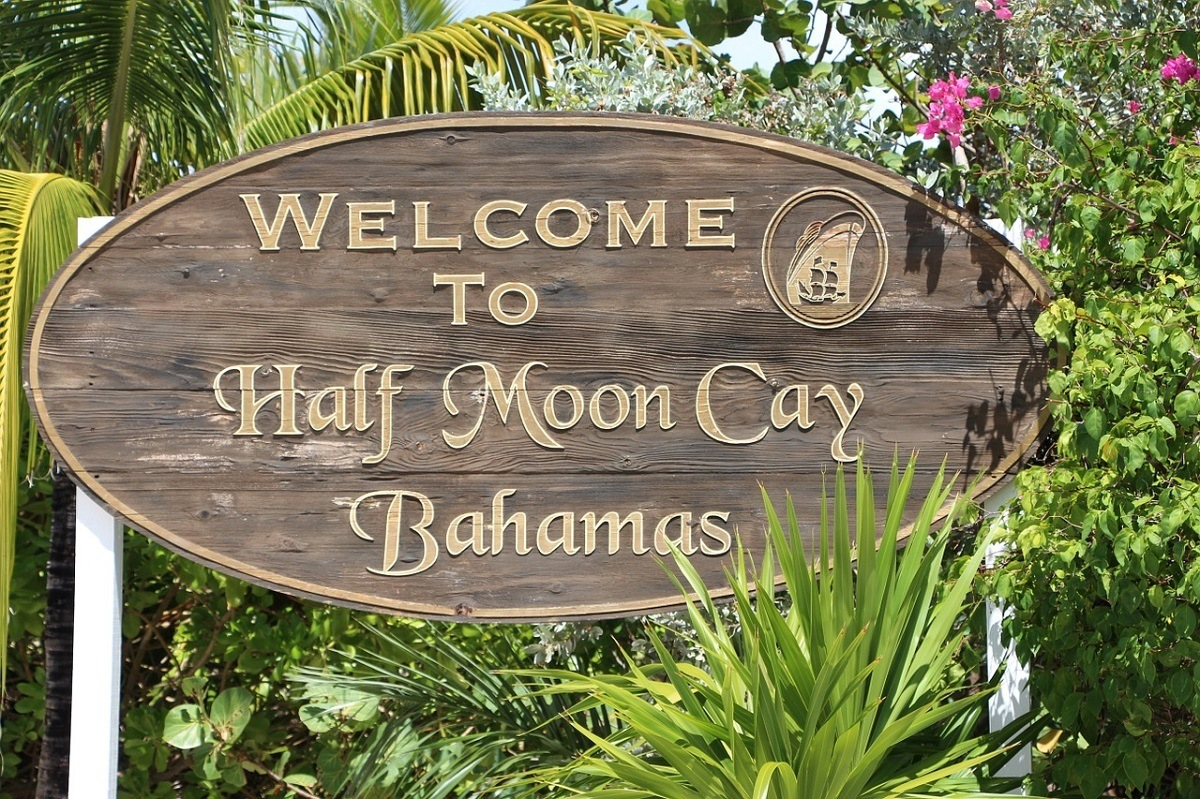 """The """"Welcome to Half Moon Cay Bahamas"""" sign"""