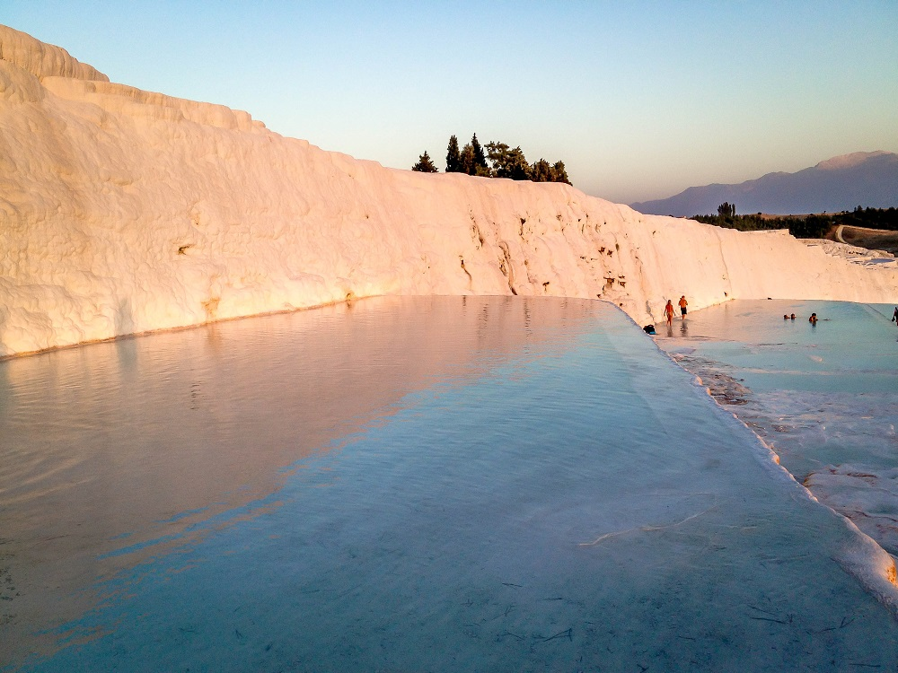 Water flowing over the travertine pools