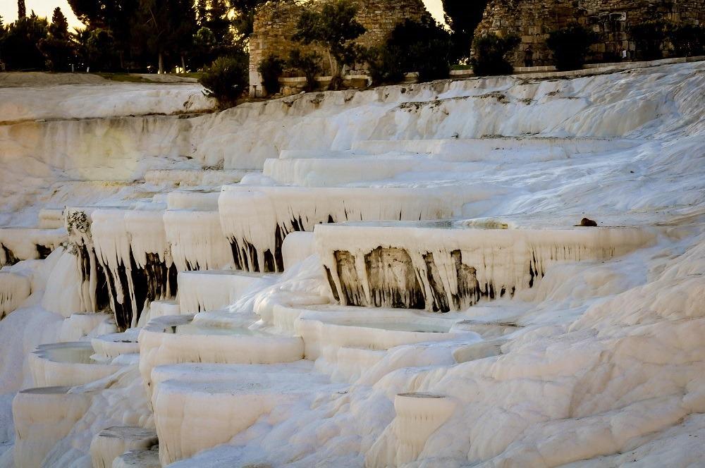 Pools of mineral deposits