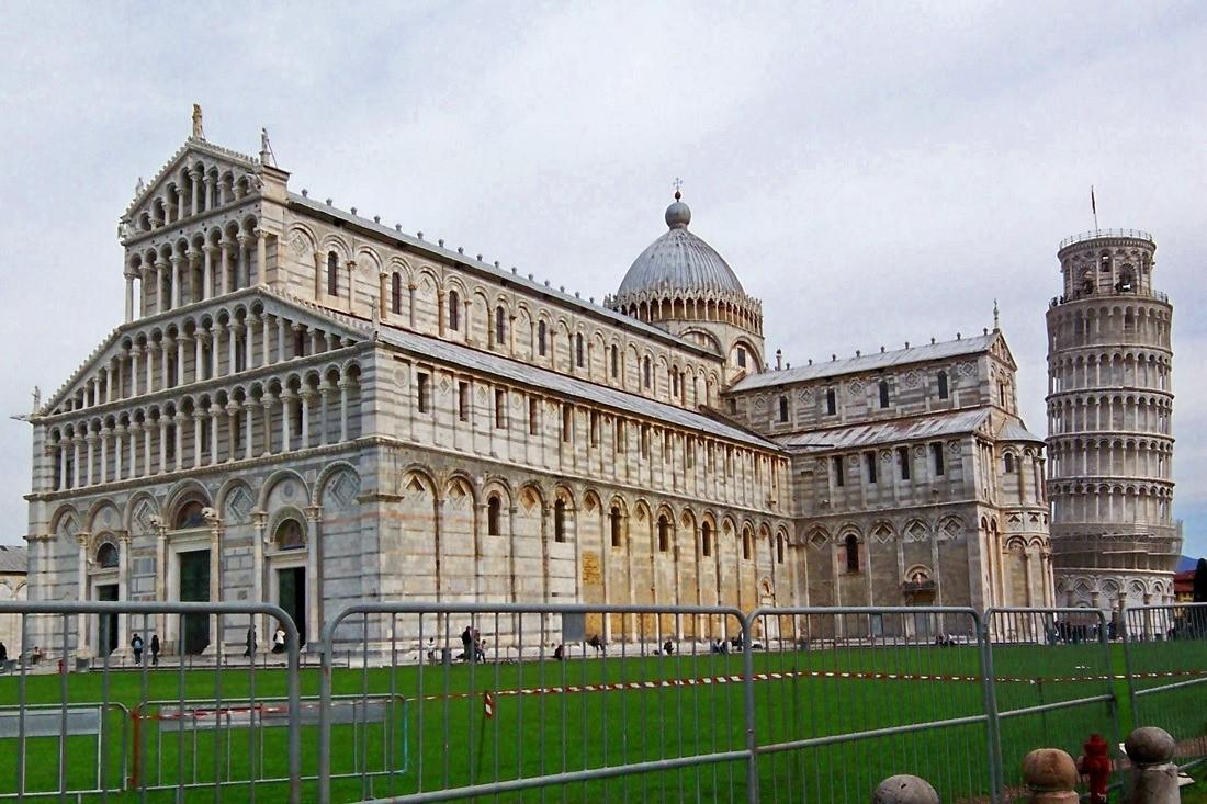 Piazza de Miracoli in Pisa