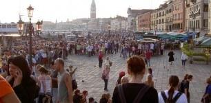 Italy-Venice-overrun-tourists