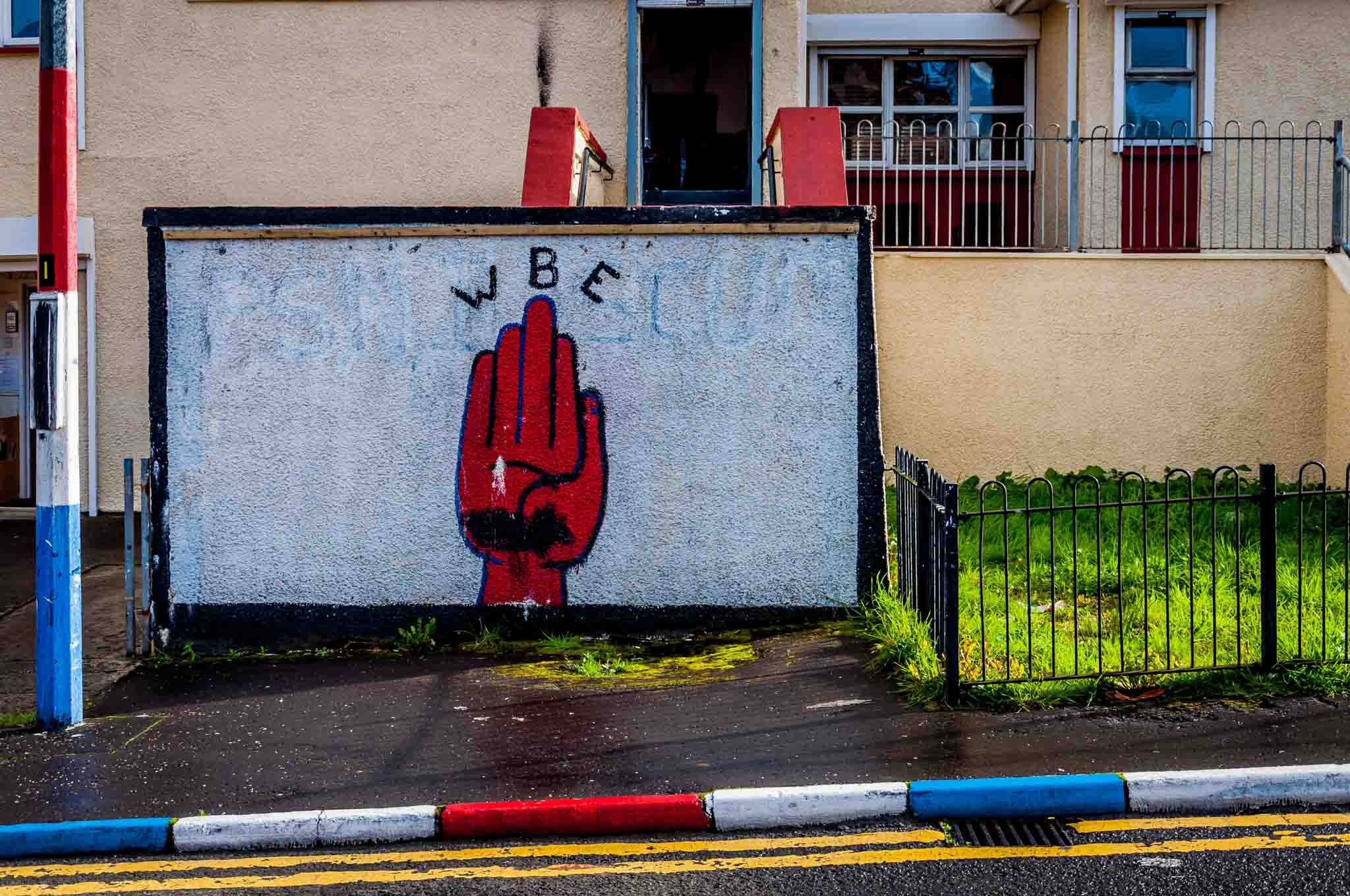 Loyalist Ulster mural of the Red Hand of Ulster
