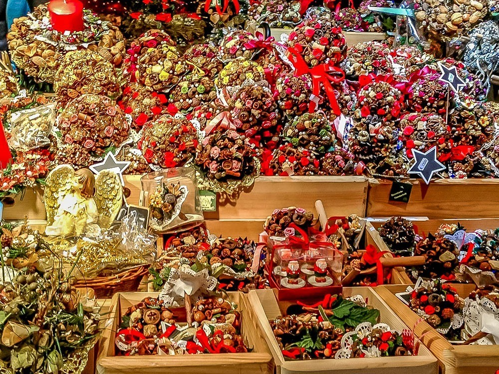 Potpourri and ornaments on display for sale