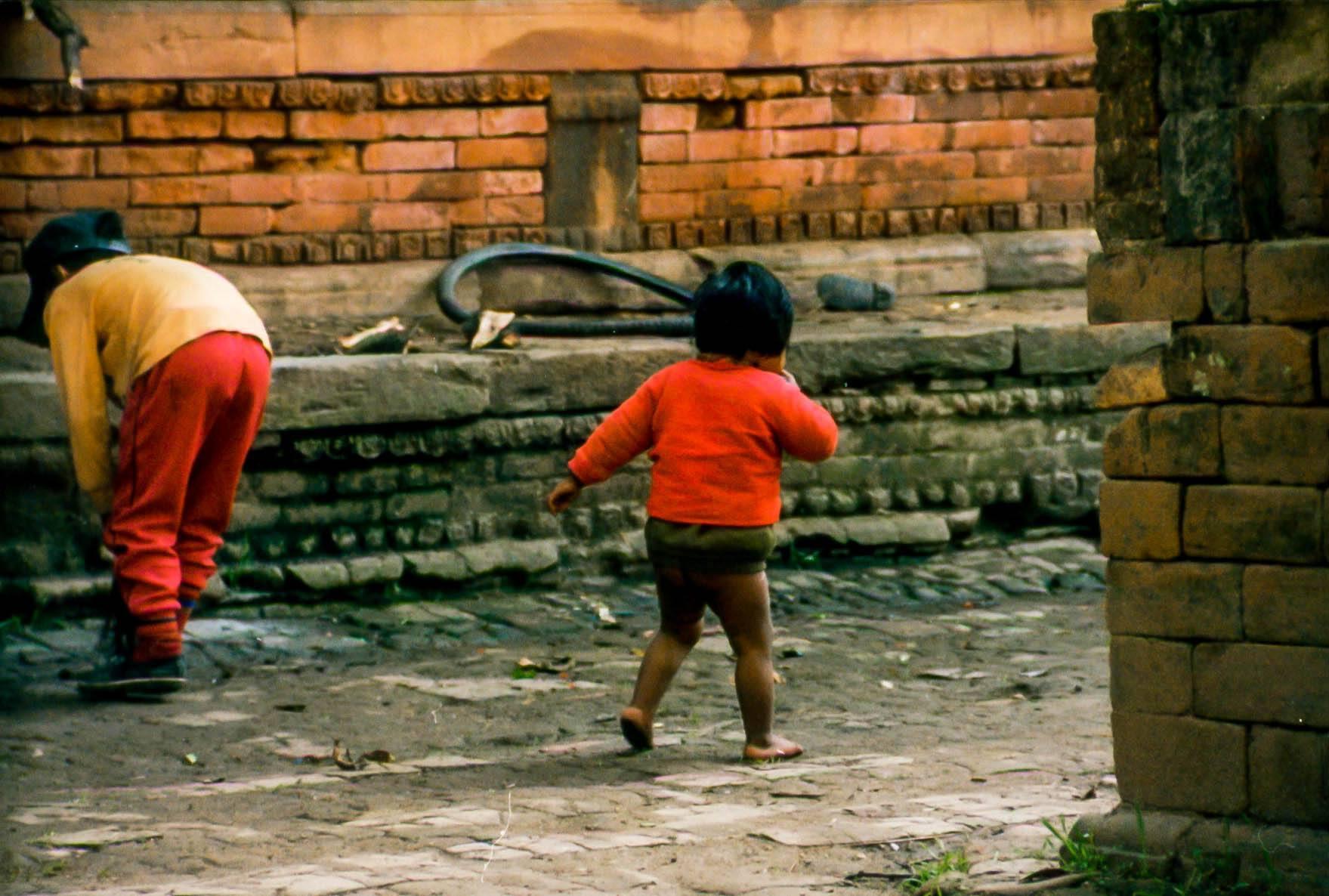 A child wandering the streets of Kathmandu
