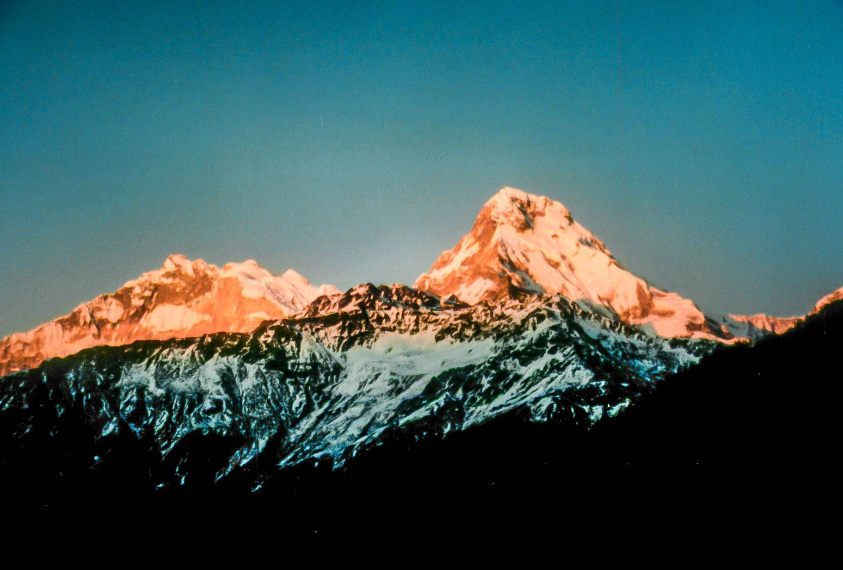 Sunrise from the summit of Poon Hill during the Annapurna Circuit trek