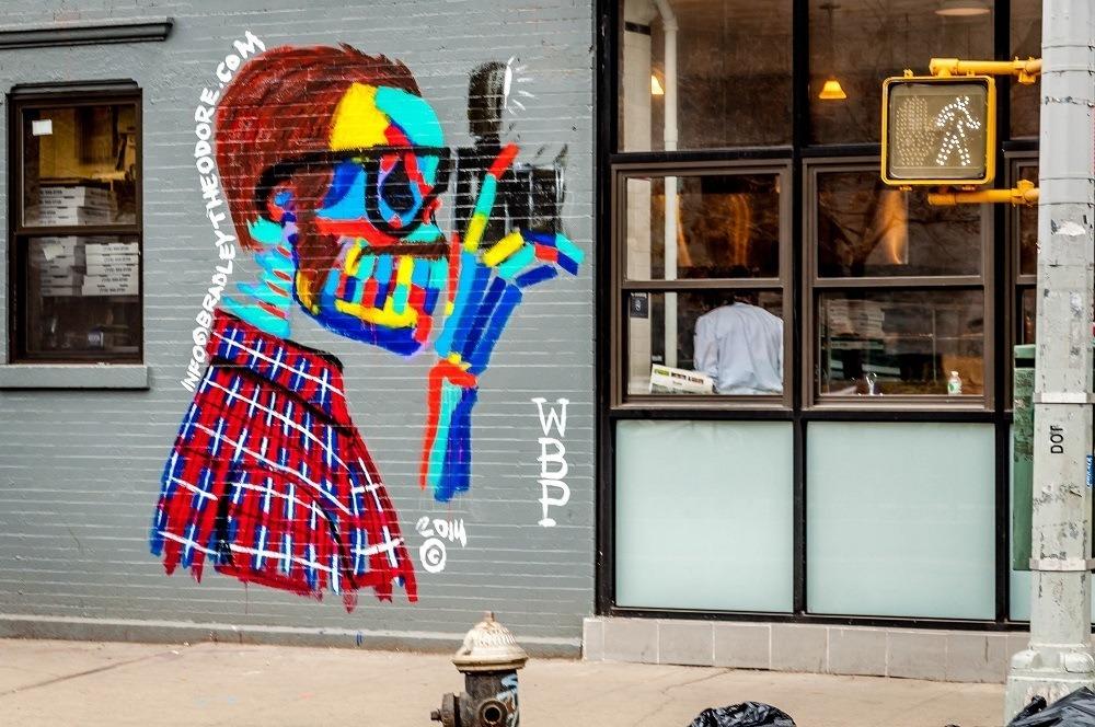 Paparazzi street art mural