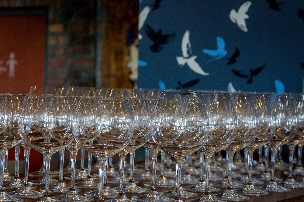 Arrangement of wine glasses on a bar