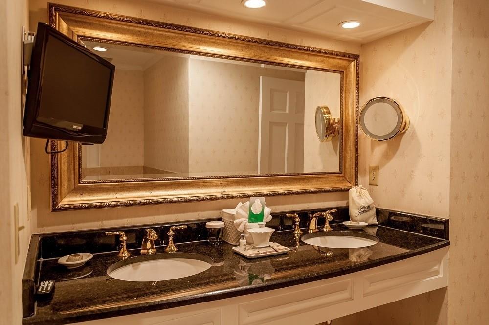 Dual sinks in the bathroom