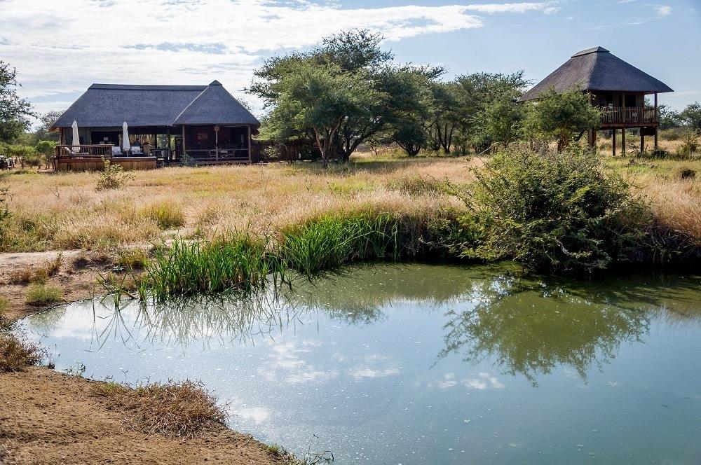 The camp and lodge at nThambo Tree Camp