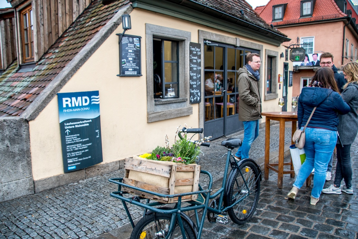 The wine bar window at the Restaurant Alte Mainmühle on the Alte Mainbrucke