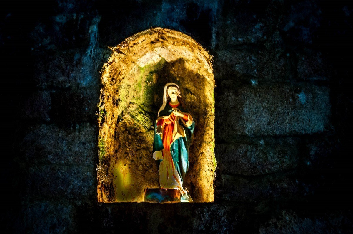 Small Virgin Mary idol in the mine