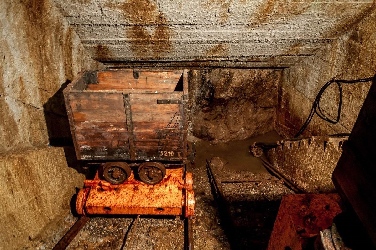 An ore cart inside the Bartolomej mine