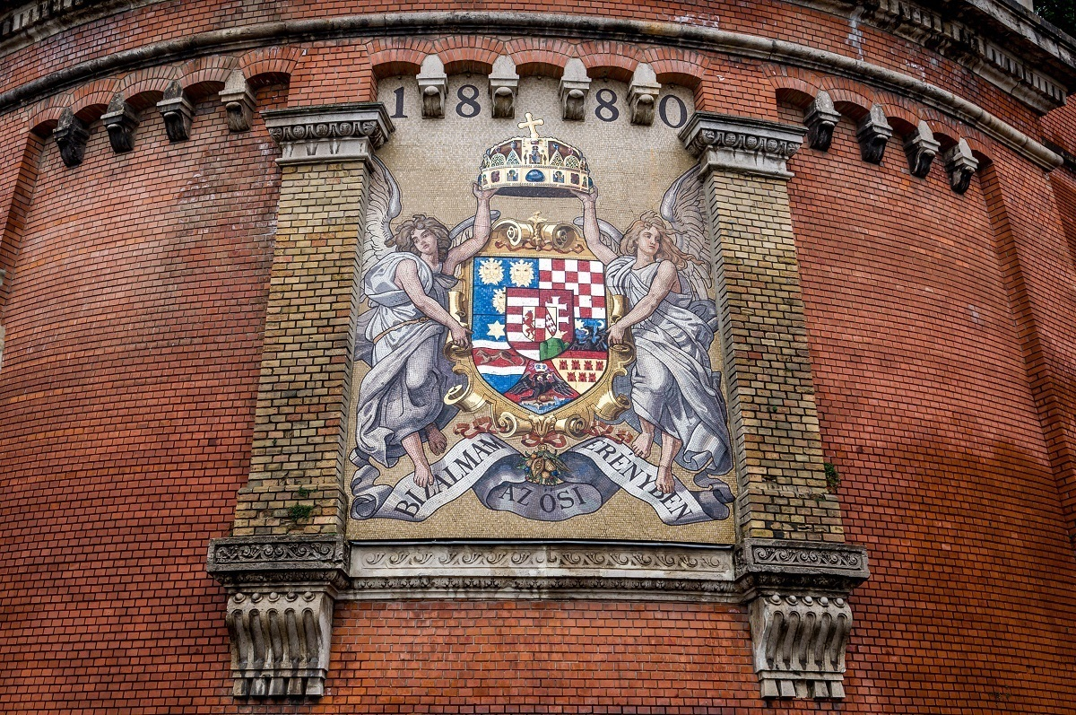 Coat of arms at the base of Castle Hill