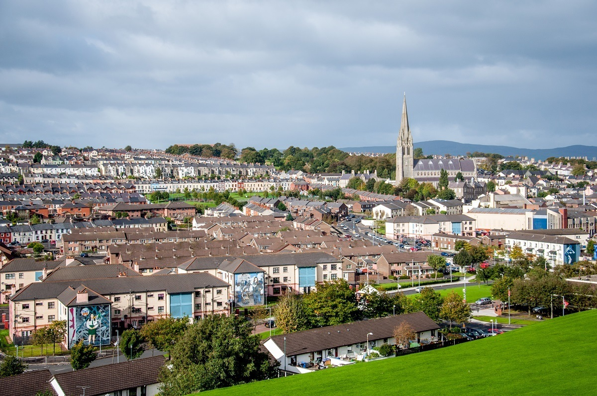 The town of Derry/Londonderry is located at the end of the Irish Causeway Coastal Route