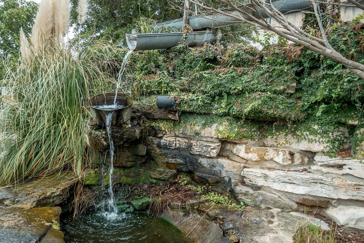 Water feature at the Cotton Gin Village