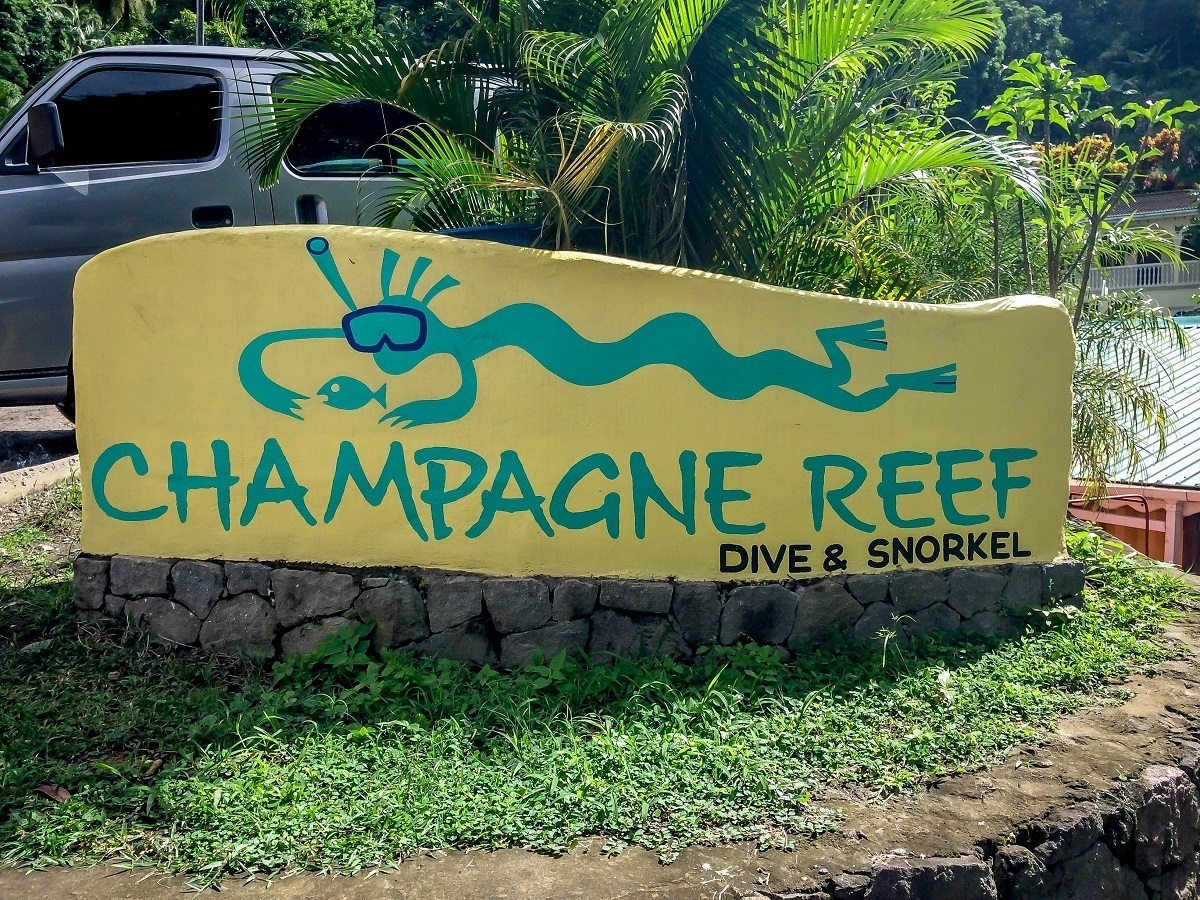 Champagne Reef Dive and Snorkel sign