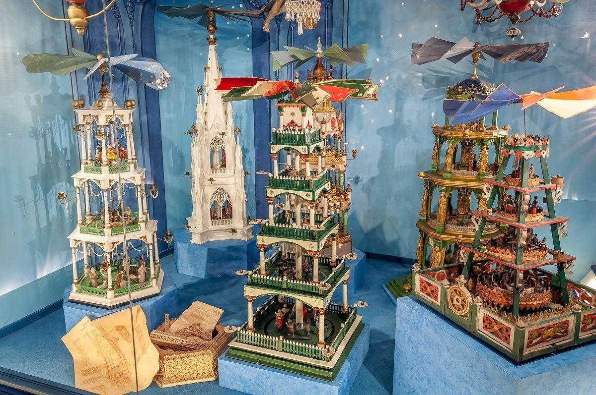 Display of Christmas pyramids