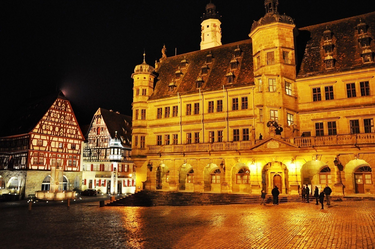 The main market square in Rothenburg ob der Tauber at night