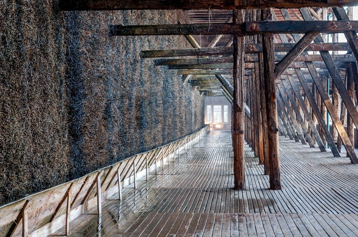 The wooden evaporation walls