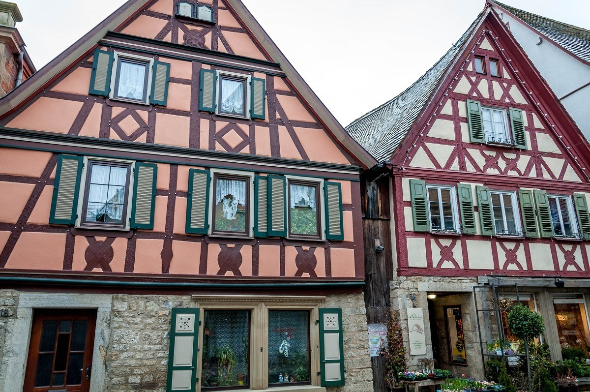 The best of germany s small towns on the romantic road for Small houses in germany