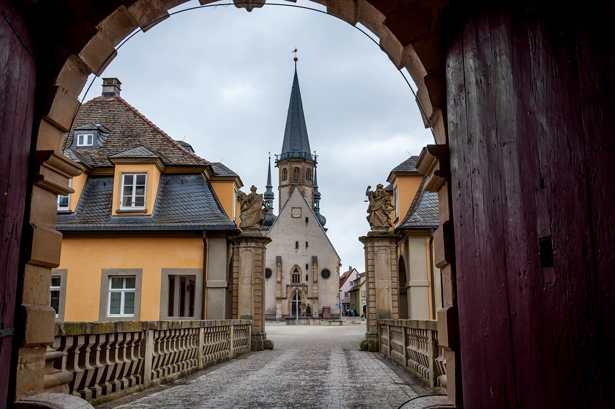 The gate and church in the Weikersheim Palace