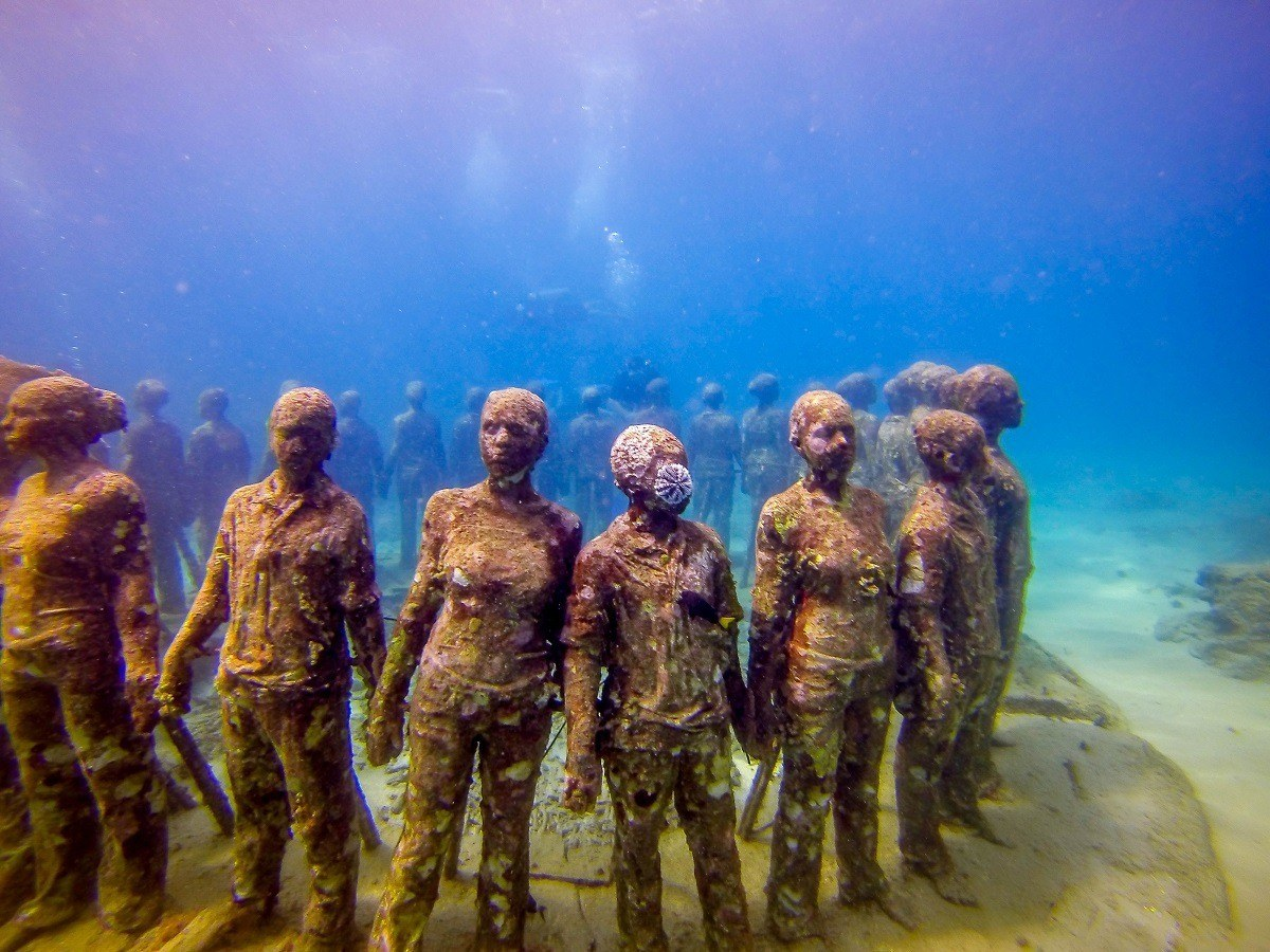 """""""The Vicissitudes"""" by Jason deCaires Taylor at the Grenada Underwater Sculpture Park"""