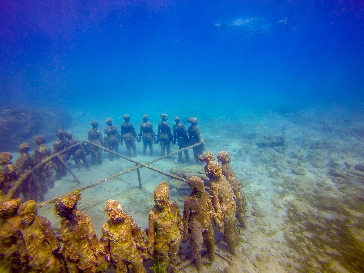 """Jason deCaires Taylor's """"The Vicissitudes """" from above"""