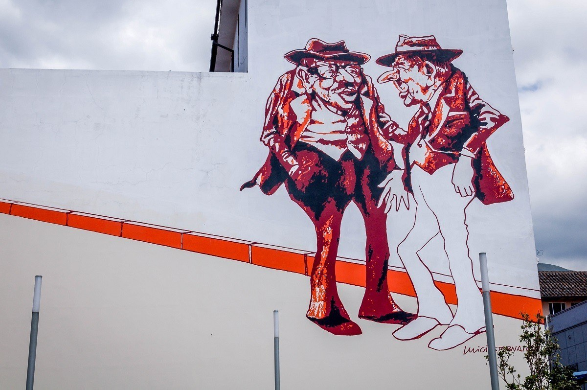 Two Old Men mural in downtown Quito by Luigi Stornaiolo.