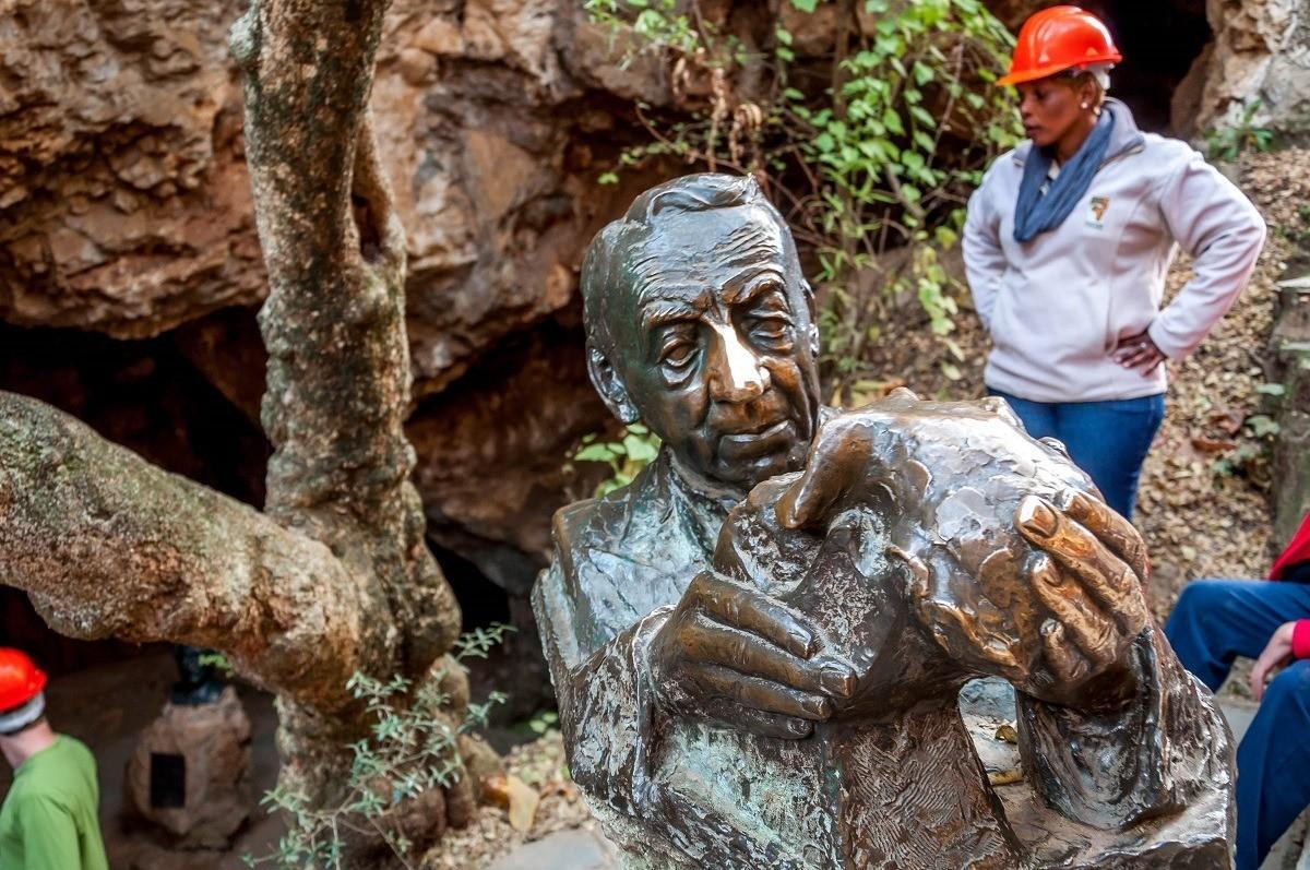 Robert Broom sculpture
