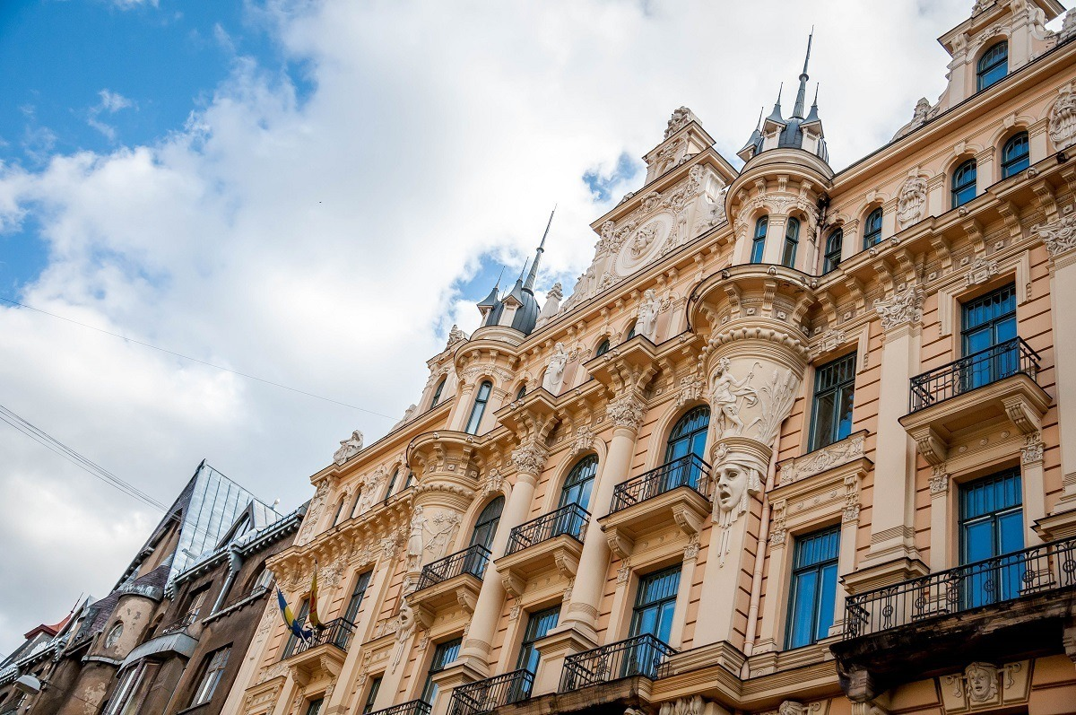 Example of Art Nouveau Riga, a building with carved faces