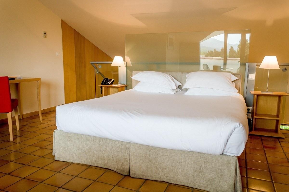 Bedroom of the horizon terrace suite at Hotel de l'image