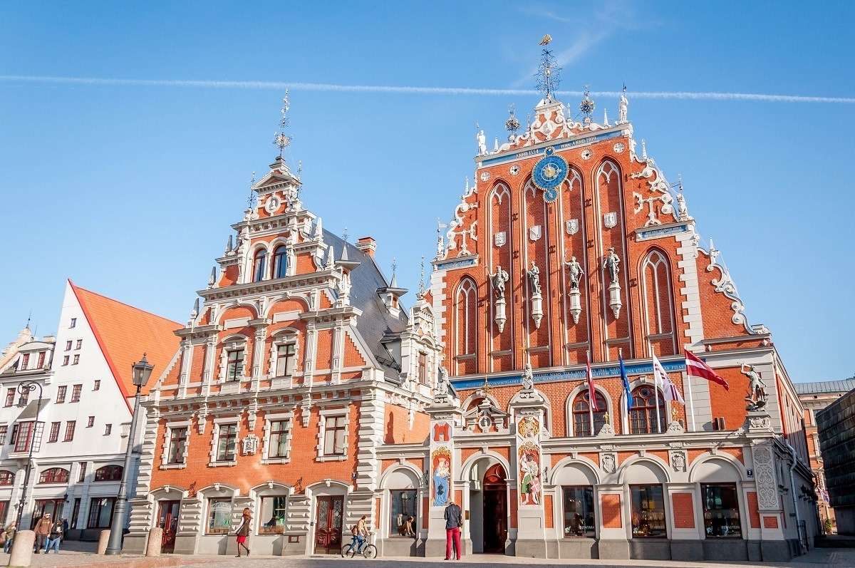 Visiting the House of the Blackheads on an Old Town tour is one of the best things to do in Riga