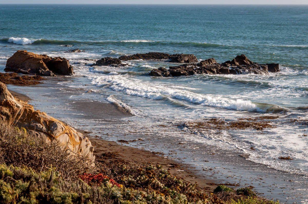 The rocks and shoreline at Moonstone Beach