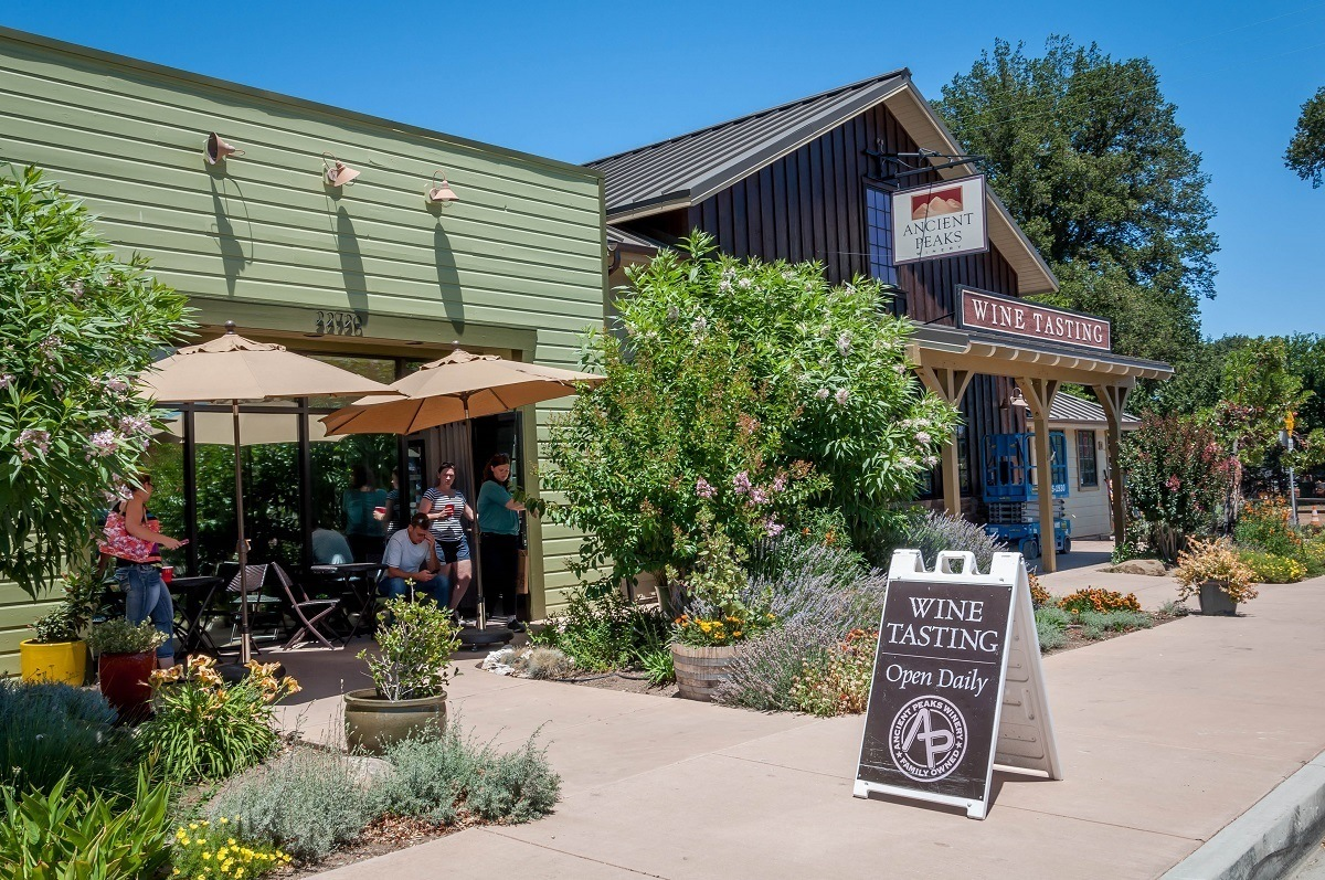 The Ancient Peaks Winery tasting room in the Paso Robles wine region