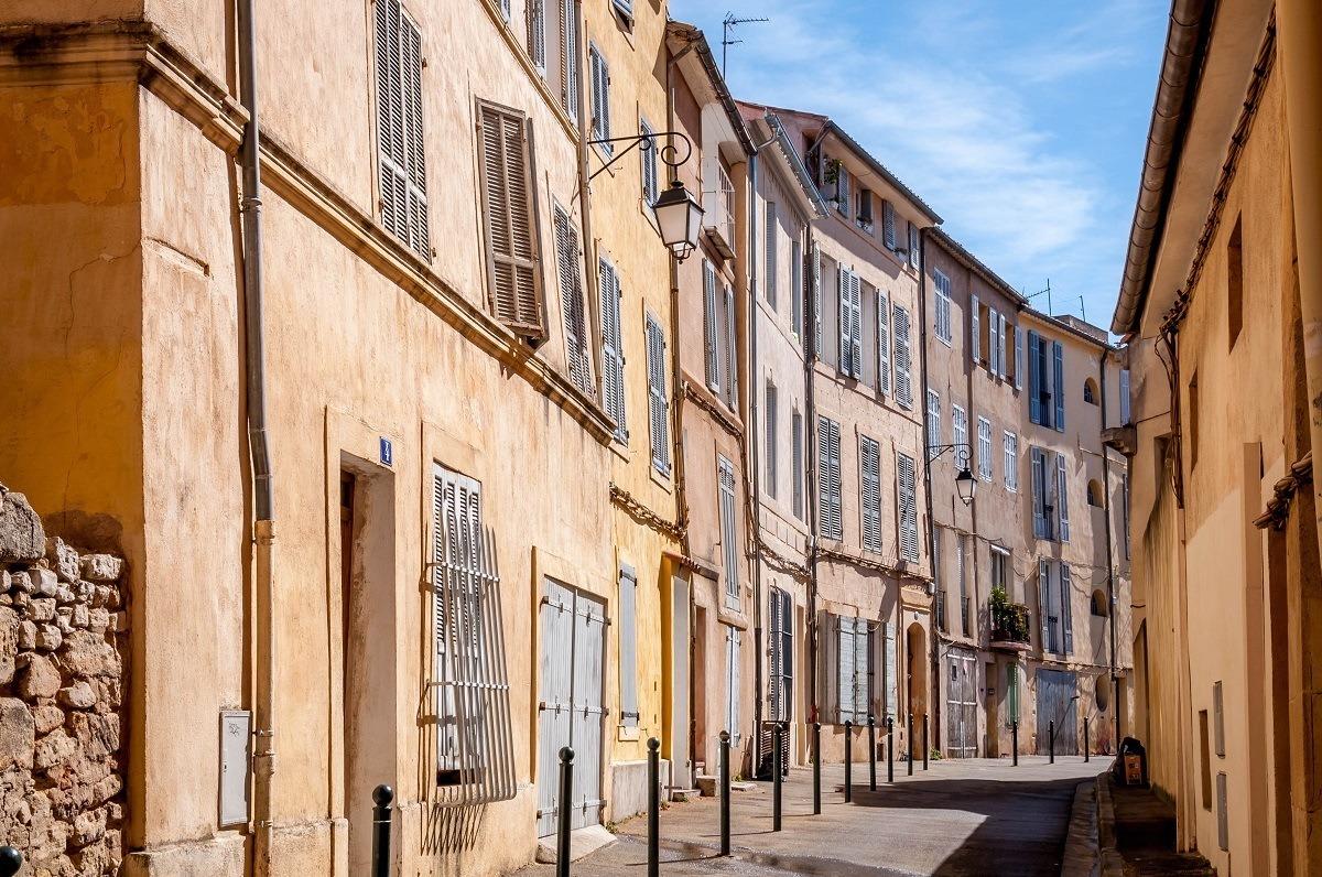 The quaint, narrow streets of Provence