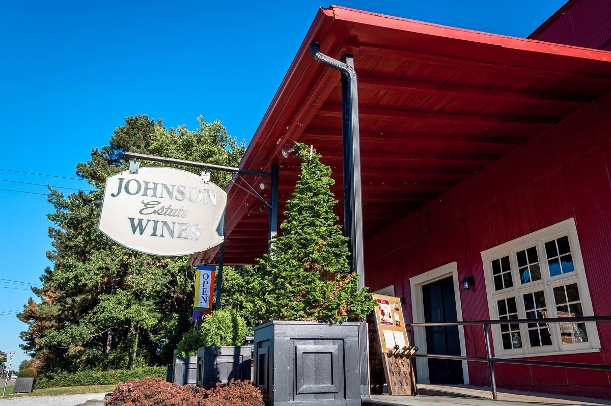 Tasting room and sign at Johnson Estate Winery