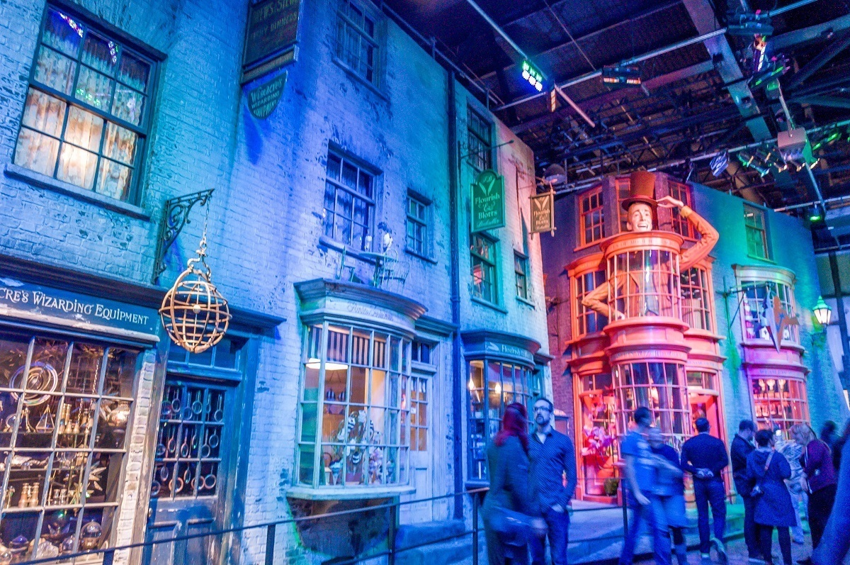 The set of Diagon Alley with Weasleys Wizard Wheezes