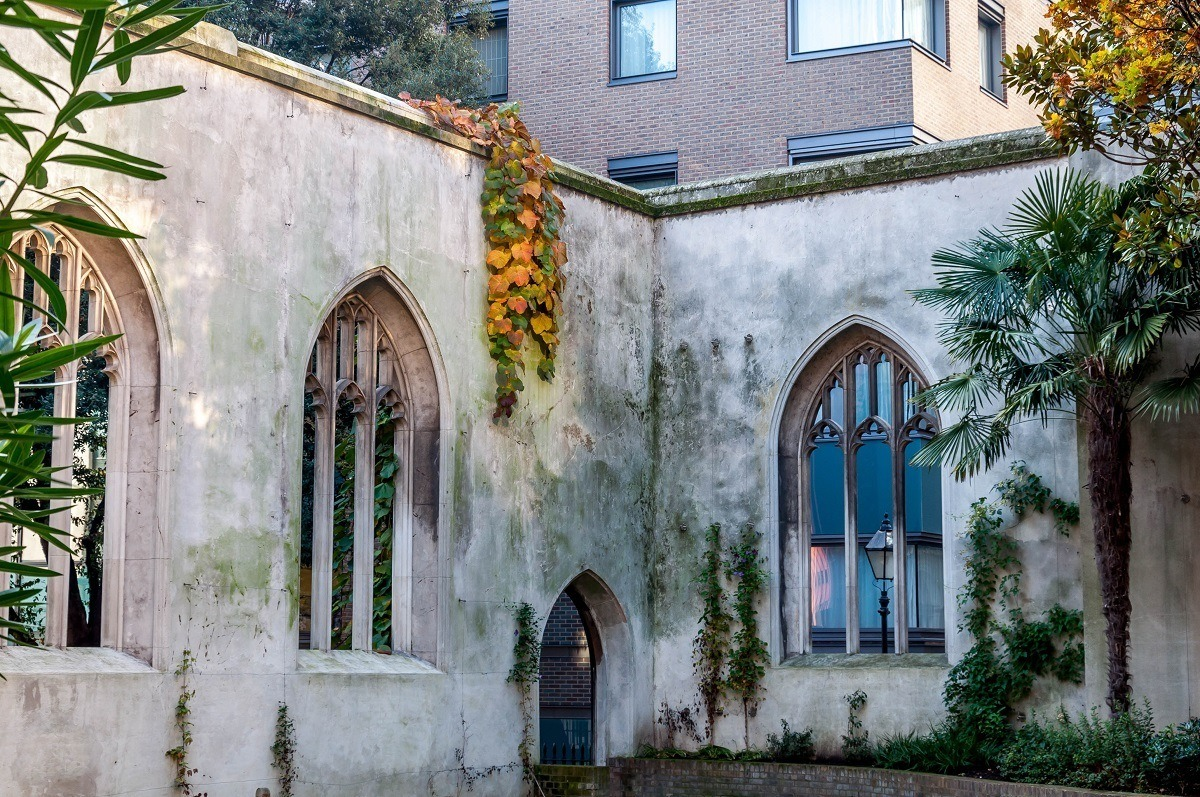 Encountering the ruins of St. Dunstan in the East in London