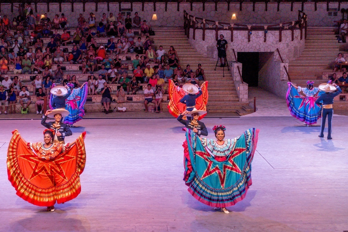 Dancers in traditional Mexican costumes perform