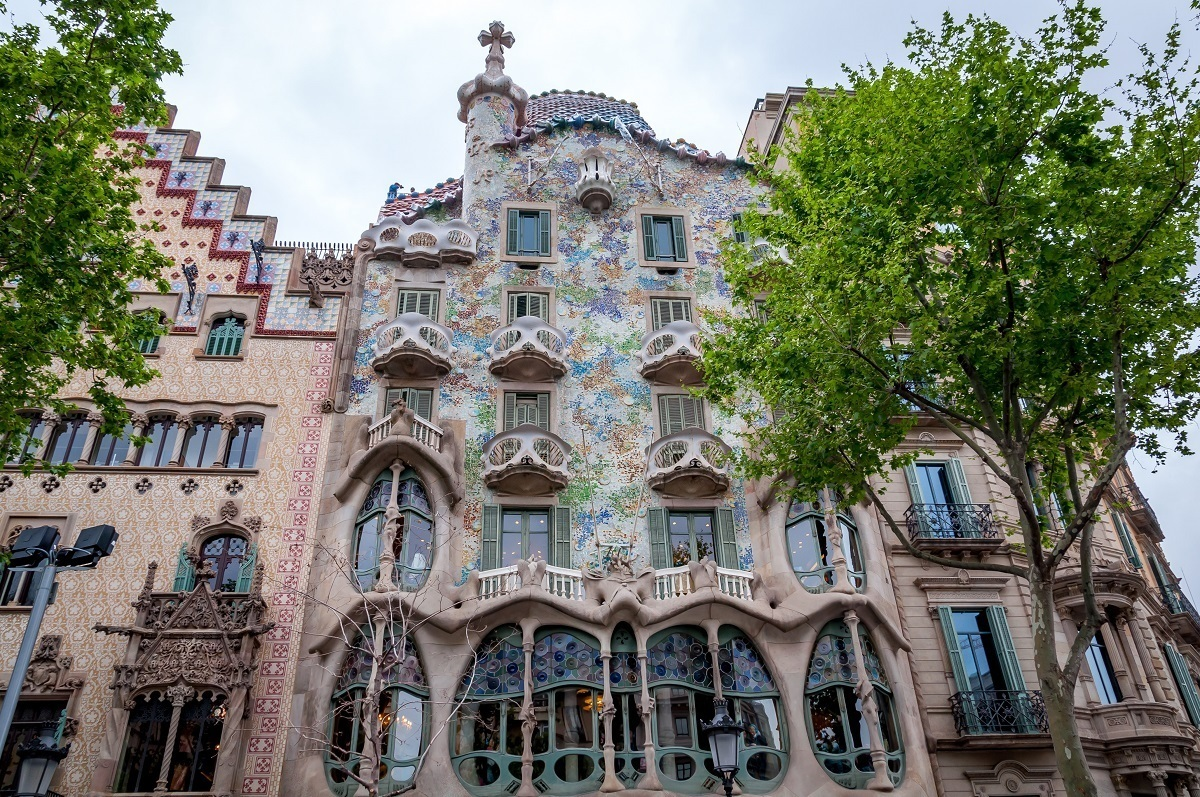 Bright tiles and balconies that look like skeletons at Casa Batllo