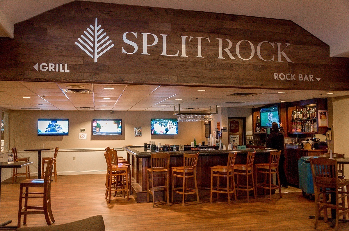 The Rock Bar at the Split Rock Resort
