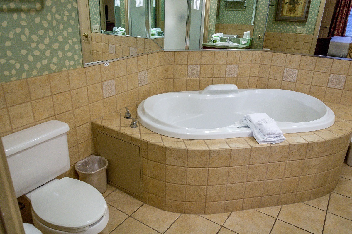 The Jacuzzi tub in the bathroom