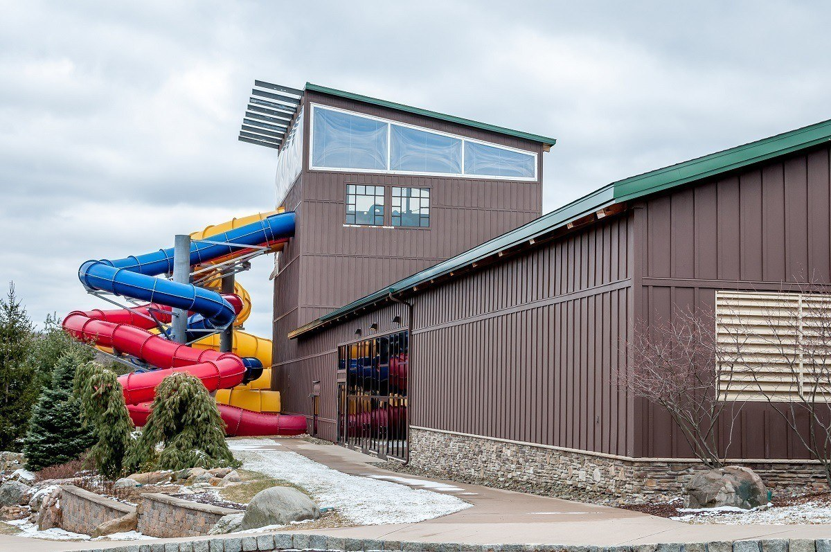 The exterior of the water slides at the H2Oooohh!! Waterpark