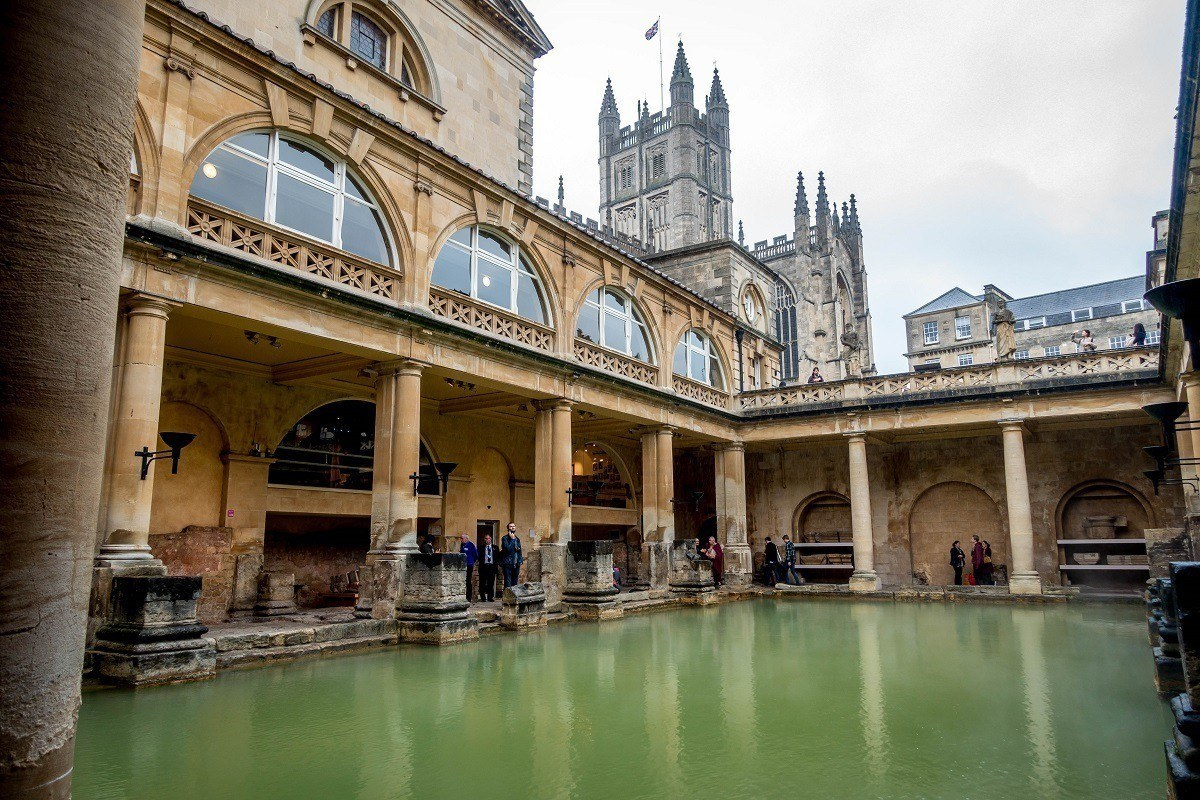 Large pool in the center of the Roman Baths in England