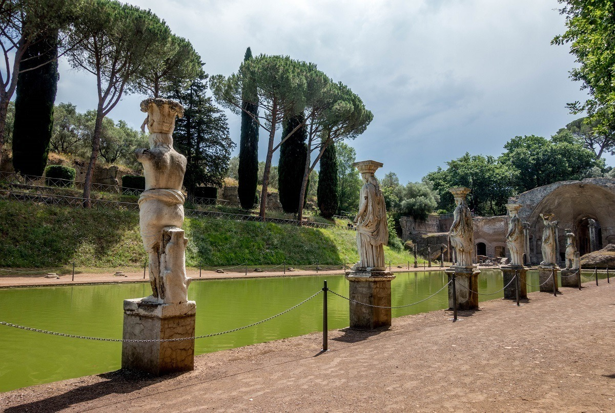 Statues lining the Canopus pool