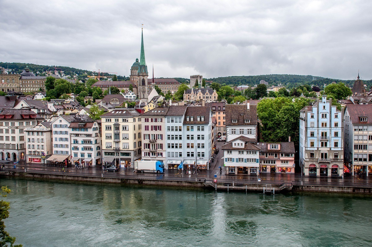 Views of the river and the old town from Lindhof Park on a Zurich walking tour